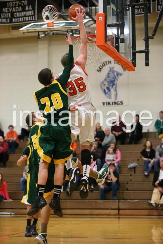 130115_Douglas_instaimage_Boys Basketball_Hunter Meyers_2