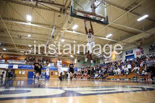 130214_Hug_instaimage_Boys Basketball_Dunk