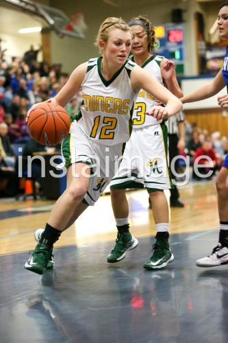 130216_Manogue_instaimage_Girls Basketball_Drive