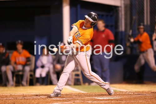 130309_Douglas_instaimage_Baseball_Cale Hit