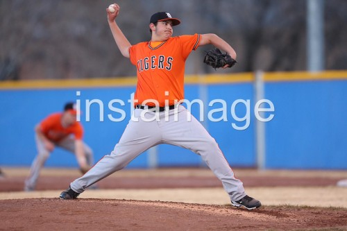130309_Douglas_instaimage_Baseball_Luke Pitch