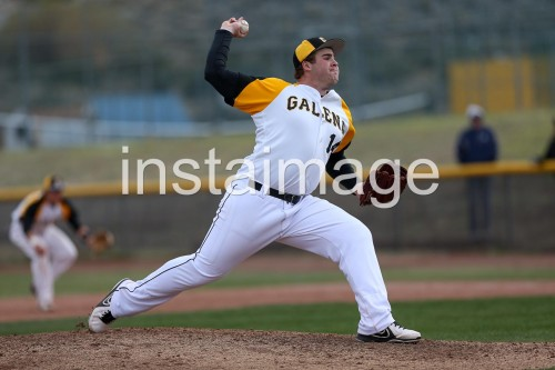 130404_Galena_instaimage_Baseball_pitch