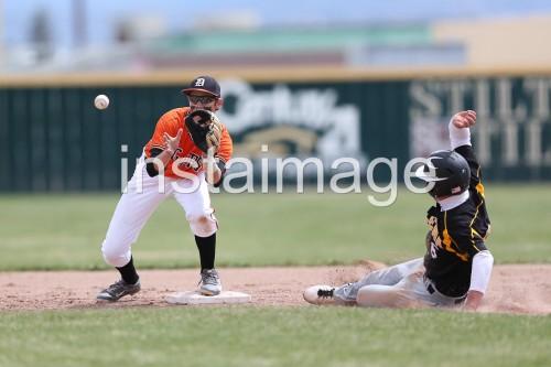 130406_Douglas High Baseball vs Galena High_Play at Second