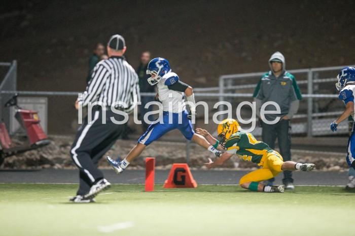 131024_Carson High Football_Blueberg Touchdown3